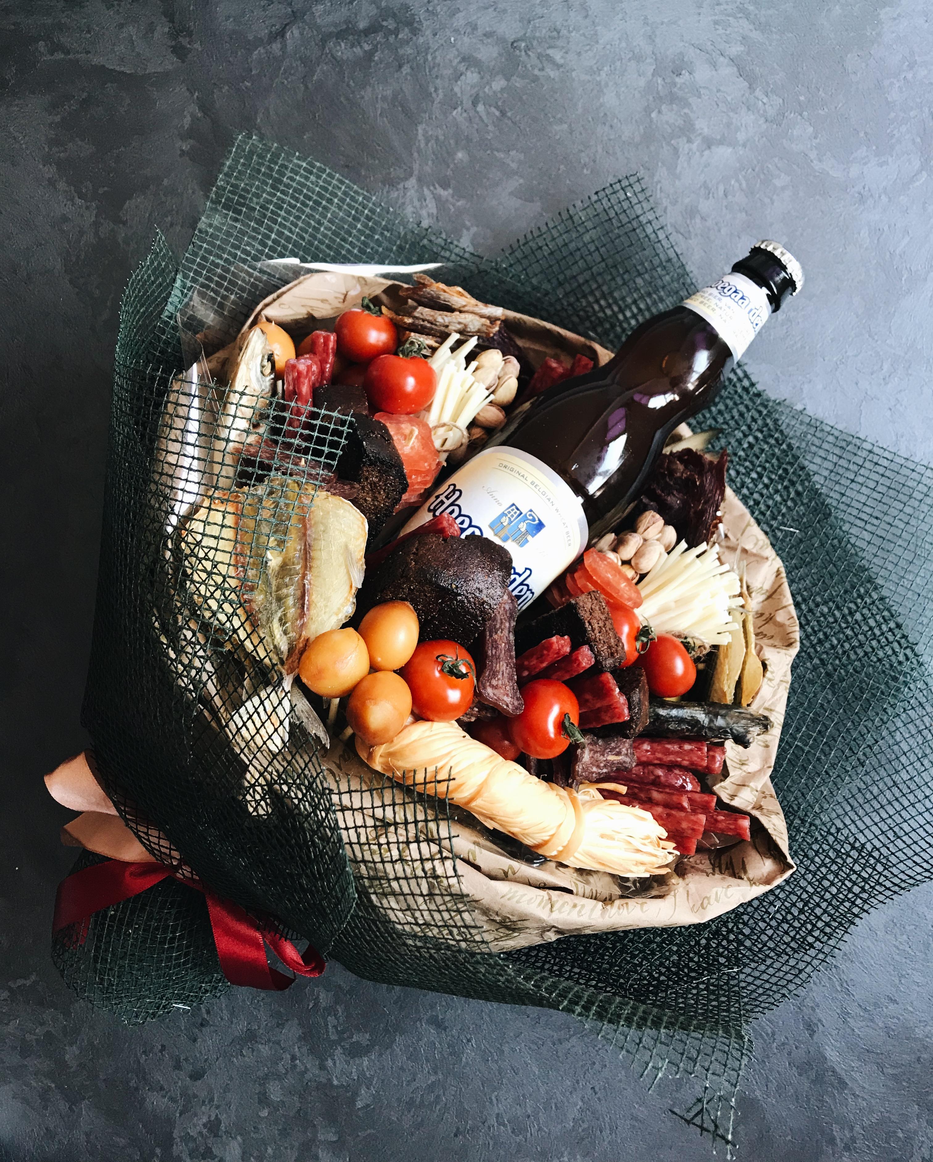 Цветы мелкий, букет из продуктов для мужчины минск